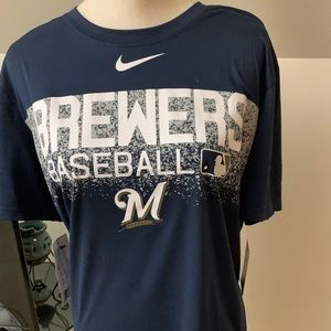 Men's Nike Brewer t-shirt, large, with tags, new